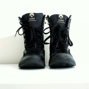 Osiris Uptown LTD Girls black sneakers size 8